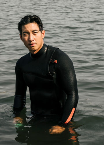 ONE MAN AND THE SEA ภารกิจว่ายน้ำข้าม 12 เกาะ เพื่อต่อลมหายใจให้ท้องทะเลไทยของ โตโน่ ภาคิน