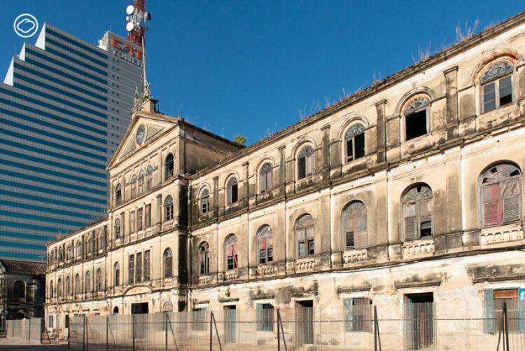 โรงภาษีร้อยชักสาม : ตึก ศุลกสถาน อายุ 130 ปีที่เคยเป็นออฟฟิศศุลกากร ที่ทำการตำรวจน้ำ และสถานีดับเพลิง
