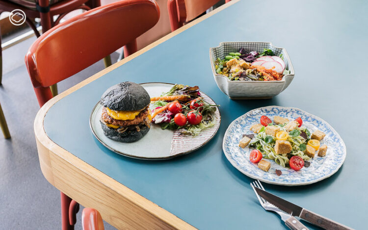 GRAM Cafe คาเฟ่นำเทรนด์ Plant-based โดยนักปั่นสาวที่ใช้พืชมาเป็นวัตถุดิบแทนเนื้อสัตว์