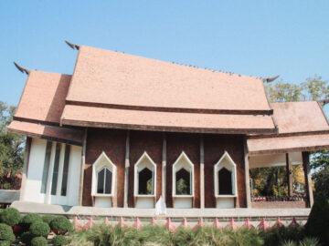 วัดศาลาลอย นครราชสีมา วัดที่เกิดจากการเสี่ยงทายของย่าโมกับอุโบสถโดยปราชญ์สถาปัตย์แห่งลุ่มน้ำโขง