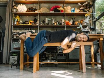 เยือน TAM:DA Studio บ้านมือหนึ่งที่มีแต่ปูนกับเหล็กและแต่งบ้านด้วยของมือสองทั้งหลัง ของ เป๋-ธนวัต มณีนาวา