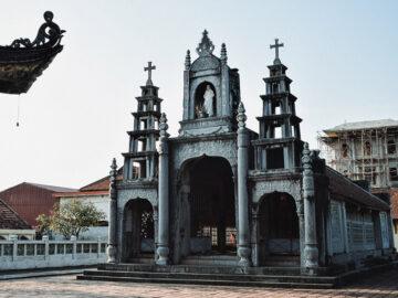 Phát Diệm Cathedral โบสต์คริสต์เวียดนาม ที่ผสานสไตล์โกธิคกับศาลเจ้า
