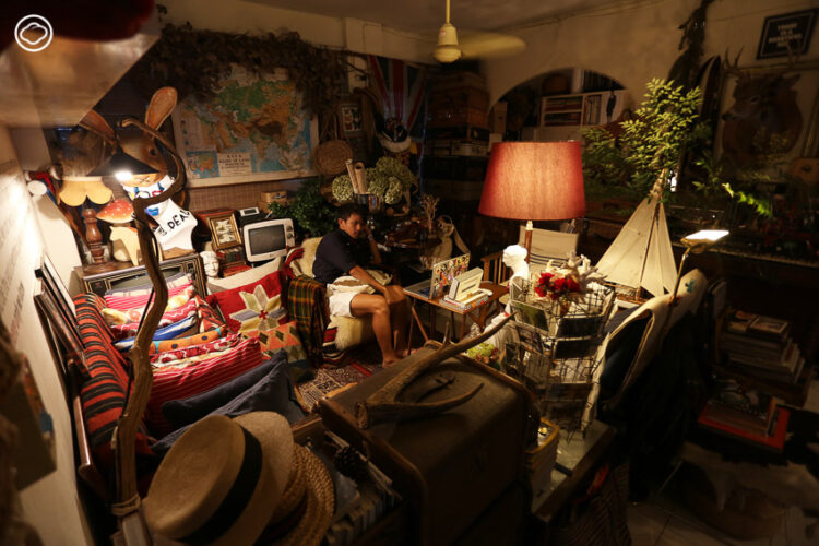 อพาร์ตเมนต์ยุคเก่า บ้านที่มีของเยอะ มีของซ้ำ และมีแต่ของสีแดง ของศุภชัย เพ็ชรี่