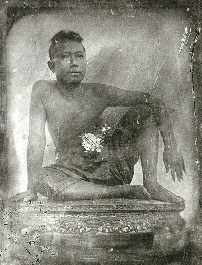 ประวัติศาสตร์การนั่ง ของสยาม ตั้งแต่ยุคที่เก้าอี้มีไว้ให้ชนชั้นสูงโชว์มากกว่าใช้, ประวัติศาสตร์เก้าอี้ในไทย