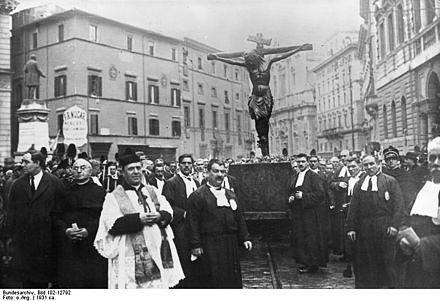 San Marcello al Corso ไม้กางเขนสำคัญของอิตาลีที่เป็น 'พระรอด' ซึ่งชาวโรมเชื่อว่าช่วยให้รอดจากภัยโรคระบาด