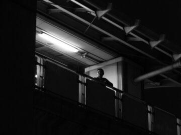 รวมภาพผู้คนที่อยู่อย่างโดดเดี่ยว เพื่อสื่อถึงความเหงาที่เกิดจาก Social Distancing