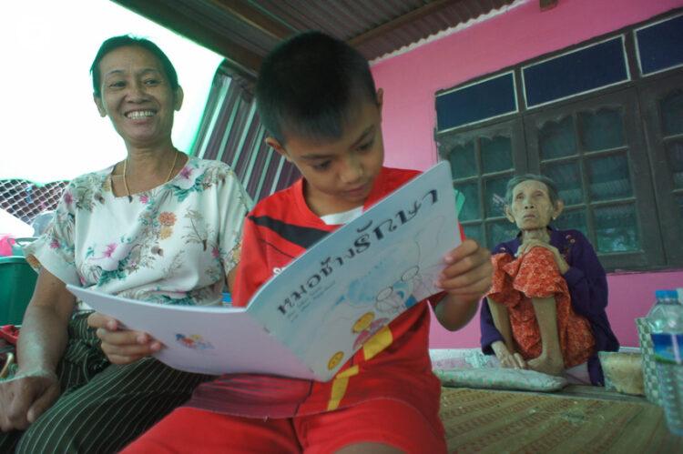 ครูบุรีรัมย์กับโปรเจกต์ส่งนิทานให้เด็กทั่วไทยที่เชื่อว่าหัวใจของการเรียนรู้อยู่ที่การอ่าน, ครูวิเชียร ไชยบัง, โรงเรียนลำปลายมาศพัฒนา