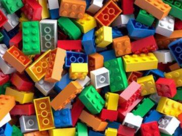 ชวนรู้จัก LEGO ของเล่นอมตะอายุเกือบร้อยปีที่เอาไปต่อยอดเป็นอะไรก็ประสบความสำเร็จ