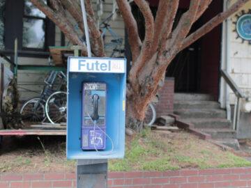 Futel คืนชีพตู้โทรศัพท์สาธารณะพอร์ตแลนด์ ชวนยกหูหาเพื่อนยันผู้ว่าฯ ฟรี