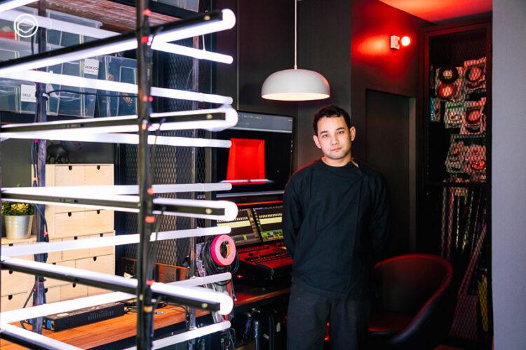 ภีม พูลผล จากลูกมือช่วยพ่อจัดไฟใน 7 สีคอนเสิร์ต สู่ Lighting Designer คอนเสิร์ตดังในวัย 23