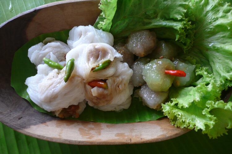 เมี่ยง หมึกย่าง หมูโสร่ง ของกินเล่น ในอดีตที่ทำลให้รู้ว่าคนไทยจริงจังเรื่องกินไม่ใช่เล่น, ปากหม้อ, สาคูไส้หมู
