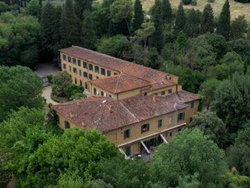 เช็กอิน Villa Camerata โฮสเทลหรูราวบ้านผู้ดีโบราณสไตล์ฟลอเรนซ์ในราคายาจก, อิตาลี