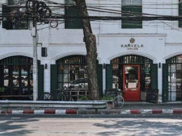 เยือนร้านอาหาร คาเฟ่ บาร์ และพื้นที่สาธารณะในตึกเก่าที่รีโนเวตใหม่ ด้วยแนวคิดร่วมสมัย แต่ไม่ลืมคงเรื่องราวเก่าของชุมชนย่านนางเลิ้ง