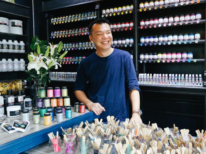 Artistic แบรนด์สีของคนได้ F วิชาเพนท์ ที่สร้างสีเอง 332 สีและทำสีน้ำไทยโทนเจ้าแรกของไทย