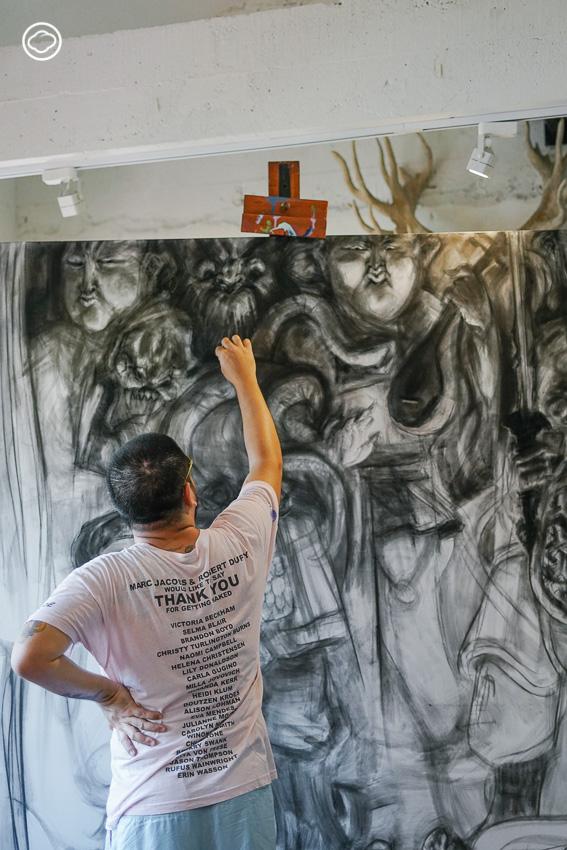 ฮ่องเต้ กันต์ธร เตโชฬาร ศิลปินที่ใช้ศิลปะตั้งคำถามกับตาลปัตร ตี่จู้เอี๊ยะ และความเชื่อมนุษย์