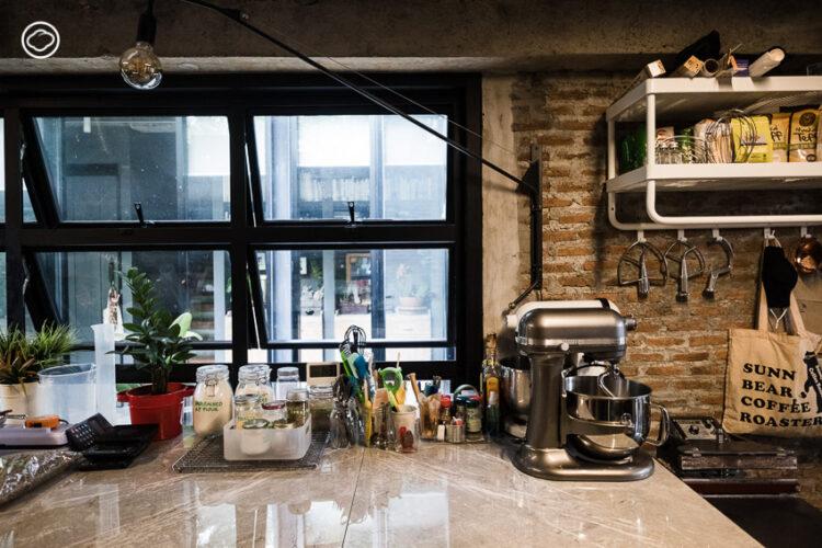 เปิดบ้านทรงกล่อง สูดกลิ่นกาแฟคั่วและขนมปังโฮมเมดอบใหม่ของสองเจ้าของ Sunny Bear Coffee Roasters