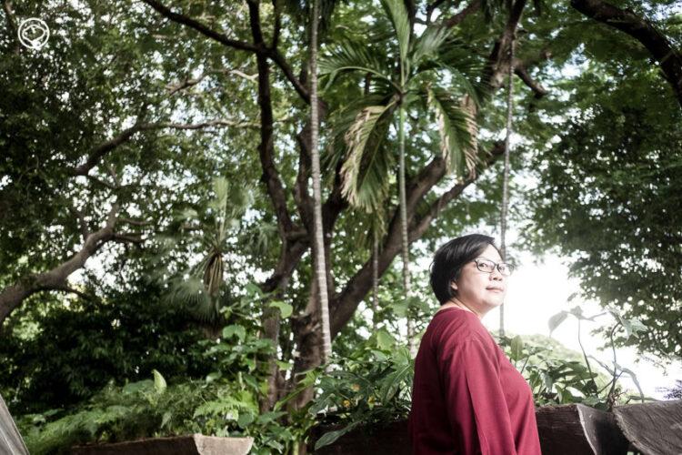 ดร.ตรีชฎา โชติรัตนาภินันท์ ผู้ออกแบบวิชาออกแบบจากการปลูกหัวไชเท้า เข้าป่า และทำสมาธิ