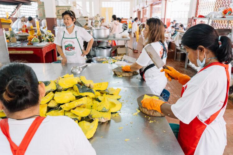 เทศกาลเจี๊ยะฉ่าย ประเพณีถือศีลกินผักของภูเก็ตที่เป็นต้นแบบการกินเจทั่วไทย
