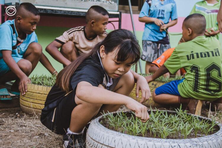 ทีมวอลเลย์บอลโรงเรียนบ้านท่าตาสี นักตบลูกยางจากวิถีเกษตรเพื่อความร่วมมือของคนในชุมชน, ครูเบิ้ม-ภิญโญ ไชยภา