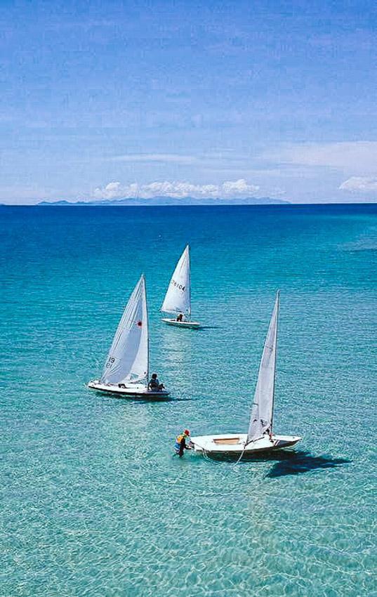 ภารกิจแล่นเรือใบอนุรักษ์ทะเลและหลักสูตรศึกษาธรรมชาติผ่านคลื่นลมของ ชมรมแล่นใบตราด, ภูเขา-บรรพต วิถี, แล่นเรือใบตราด