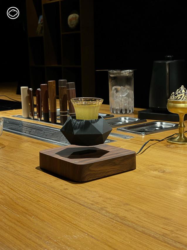 Intangible บาร์ค็อกเทลไร้แอลกอฮอล์แบบโอมากาเสะหนึ่งเดียวในเชียงใหม่, คีย์-ภาคี ภู่ประดิษฐ์, คาเฟ่ เชียงใหม่
