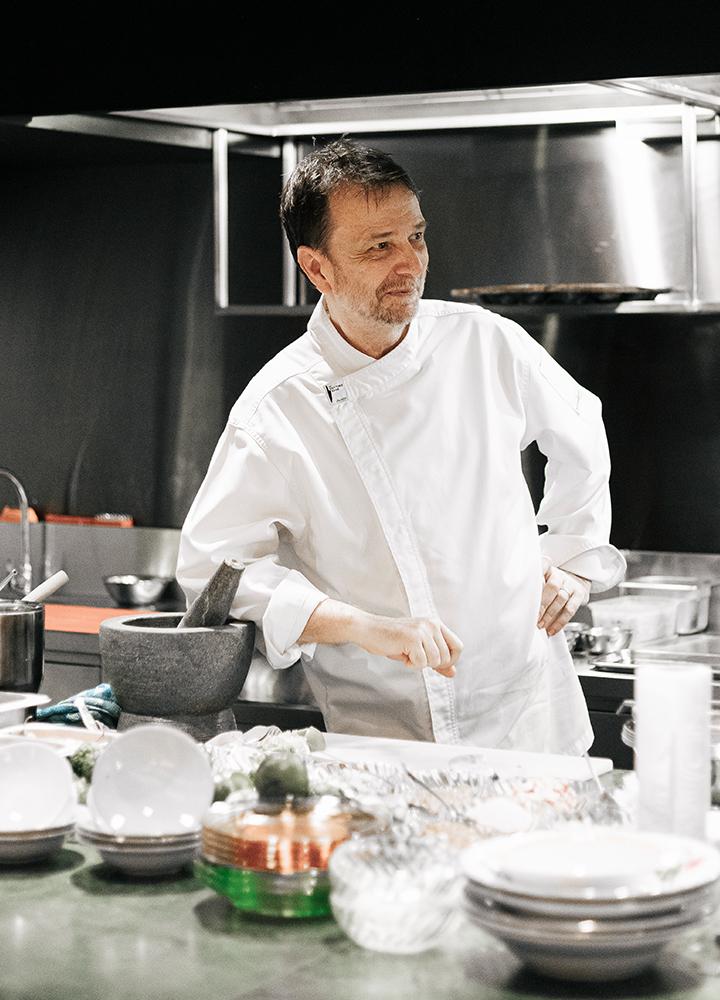 David Thompson เชฟอาหารไทยมือดีที่สุดคนหนึ่ง ผู้แกะรสและสูตรอาหารจากหนังสืองานศพไทย