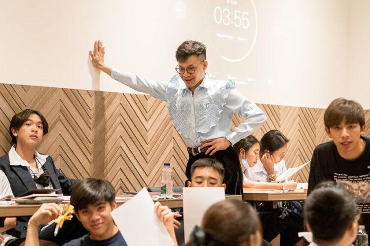 ครูลูกกอล์ฟ คณาธิป สุนทรรักษ์ ครูผู้นิยามตัวเป็นนักเรียนของโลกใบนี้ที่มีพลาด มีเรื่องที่ไม่รู้