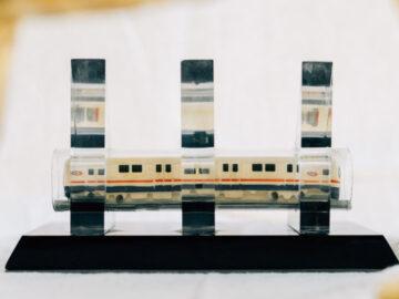 ย้อนตำนาน 24 ปี MRT ผ่านโมเดลรถไฟฟ้าที่แจกในวันวางศิลาฤกษ์
