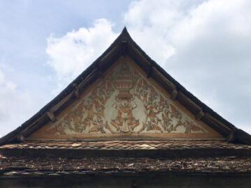 พานรัฐธรรมนูญ & วัด หลักฐานแลนดิ้งแรกของรัฐธรรมนูญจากศูนย์กลางสู่ท้องถิ่นในวัดทั่วไทย