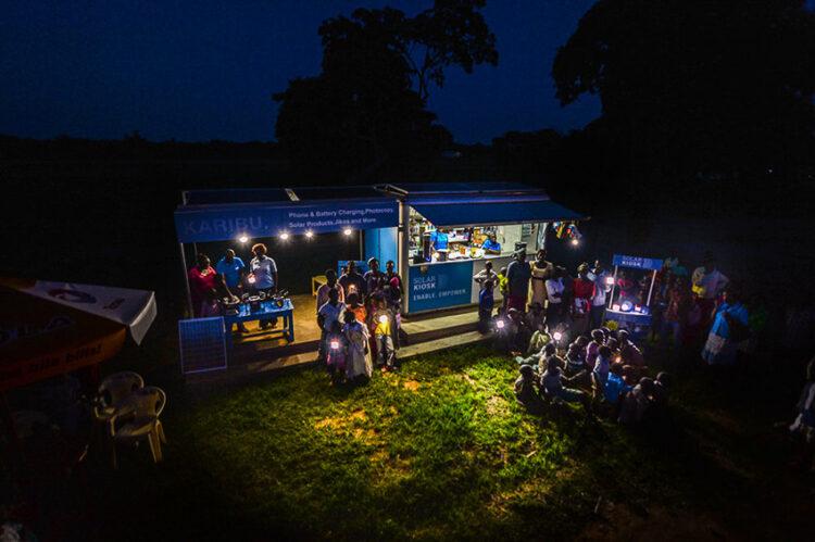 E-HUBB : ร้านค้าพลังงานแสงอาทิตย์ที่ช่วยยกระดับชีวิตคนในพื้นที่ห่างไกล