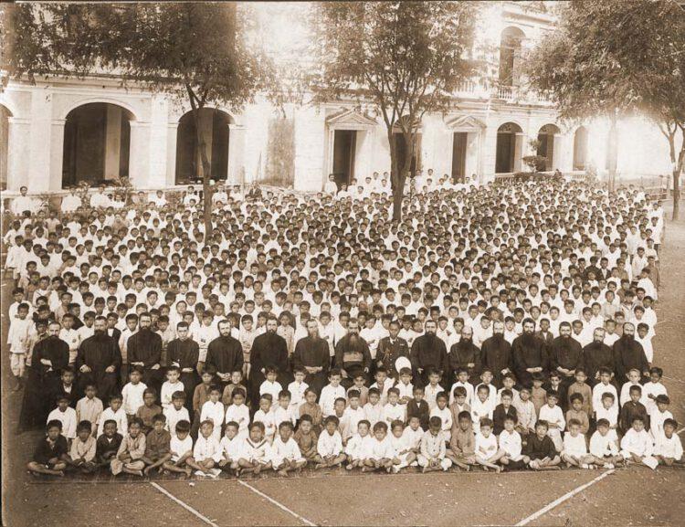 เปิดหนังสือ Unseen Assumption ชมภาพถ่ายเก่าหายากของโรงเรียนอัสสัมชัญบางรัก