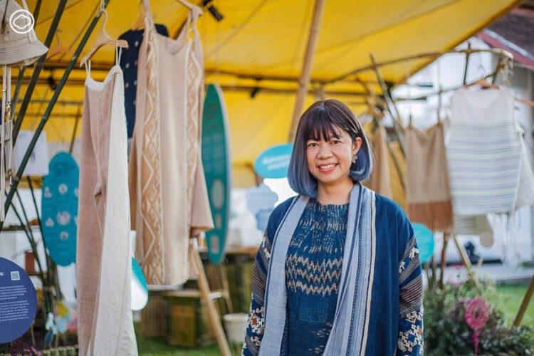 ปฏิวัติแนวคิดเรื่องเสื้อผ้าให้กลายเป็นคำว่าหมุนเวียนมากกว่าใช้แล้วทิ้ง ผ่านมุมมอง เจ-พัชรวีร์ ตันประวัติ จาก British Council และ อุ้ง-กมลนาถ องค์วรรณดี จาก Fashion Revolution กับนิทรรศการและกิจกรรมในเทศกาลงานออกแบบแห่งเชียงใหม่