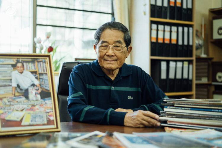 ศุภชัย คุณตาวัยเก๋านักสะสมนิตยสารฉบับปฐมฤกษ์กว่า 7,000 เล่ม จาก 18 ภาษา 35 ประเทศ
