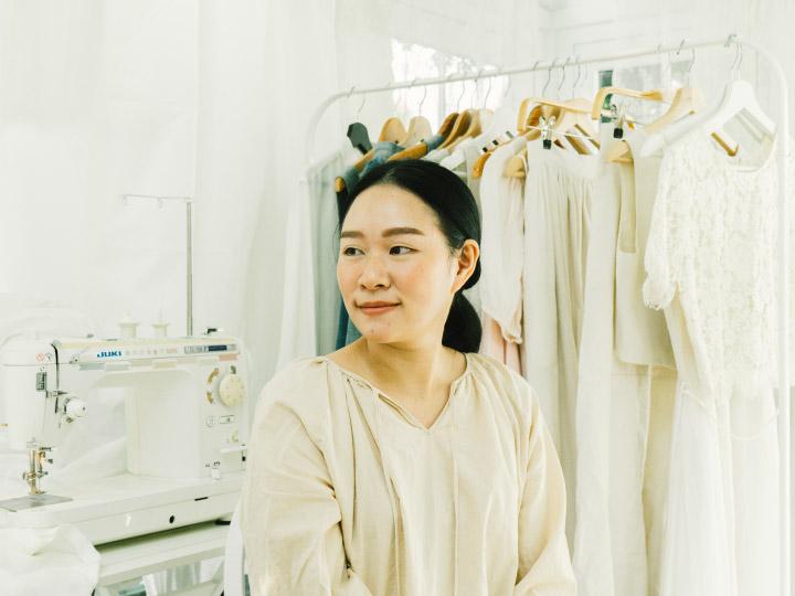 Indigo Bride ชุดเจ้าสาวจากผ้าธรรมชาติที่ไม่จำเป็นต้องเป็นสีขาวและใส่ได้แค่ครั้งเดียว