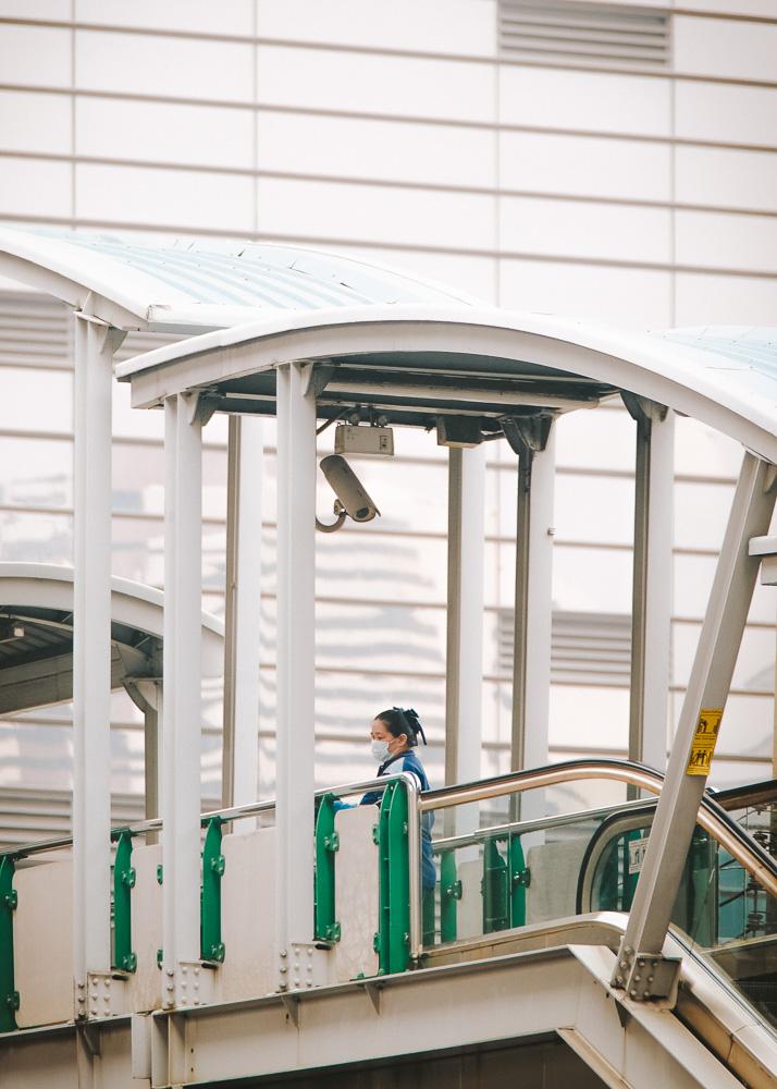 ชุดภาพถ่ายของ ปั๊บ โปเตโต้ ที่บอกเล่าชีวิตของคนตัวเล็กๆ รอบตัวในเมืองใหญ่