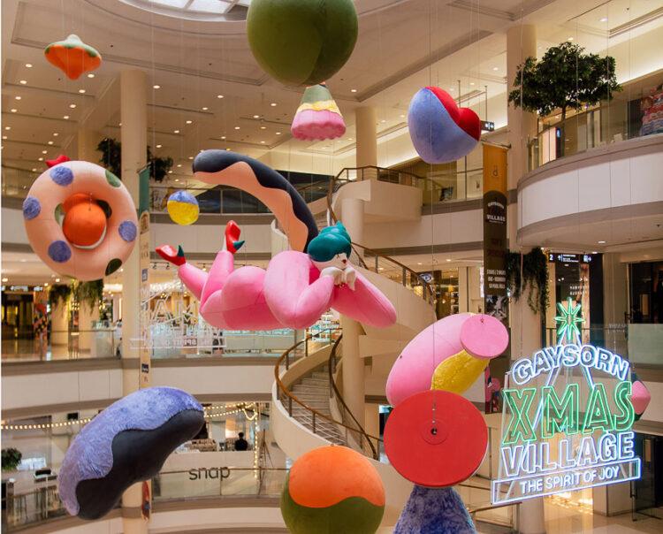 Jirayu Koo ศิลปินนักวาดภาพประกอบ ที่มีผลงานบนกระดาษ ห้างสรรพสินค้า จนถึงตึกแถว 7 คูหา