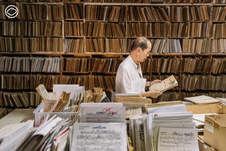โน้ตกิ้ว ตำนานนักแกะโน้ต ที่พึ่งพิงของนักร้องนักดนตรีกลางคืนมานานกว่า 40 ปี