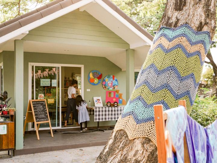 """""""ช่วงเวลาที่ลูกอยากอยู่กับเรานั้นแสนสั้น"""" Pumpkin Art Town จึงสอนใช้สีสันสานสัมพันธ์ครอบครัว"""