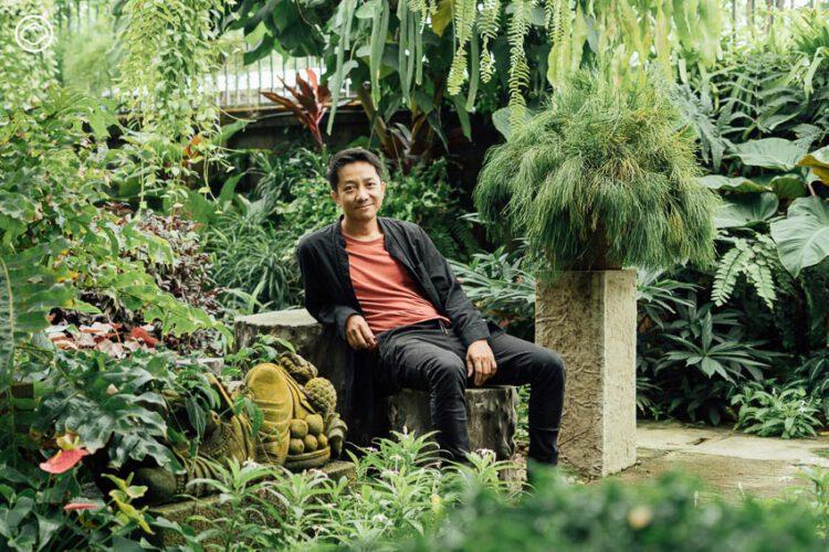 อังกฤษ ผู้เชื่อว่าการปลูกต้นไม้คืองานศิลปะ และแสดงงานศิลปินใต้ดินก่อนจะดังระดับโลก