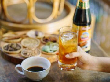 ทำโคล่าดื่มเองจากก้านตะไคร้ ก้านโหระพา ซีอิ๊วหวาน และสารพัดของในครัว