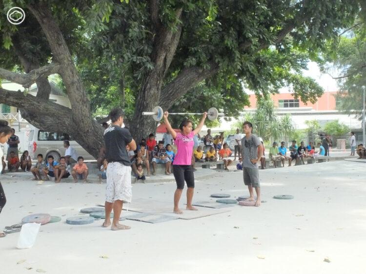 คนไทยกลายเป็นเซเลบที่คิริบาส ประเทศเล็กๆ กลางมหาสมุทรแปซิฟิกที่อาจสาบสูญจากแผนที่โลก