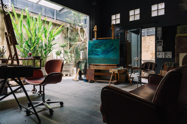 MATDOT Art Center ตึกแถวสีดำที่ซ่อนสำนักพิมพ์ แกลเลอรี่ ที่พำนักศิลปินบนถนนหลานหลวง