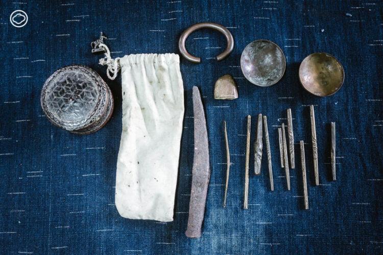 ภัทรพงศ์ เพาะปลูก ช่างตีขันเงินคนสุดท้ายของจ.แพร่ สืบทอดอาชีพสล่าที่มีมา 100 กว่าปี