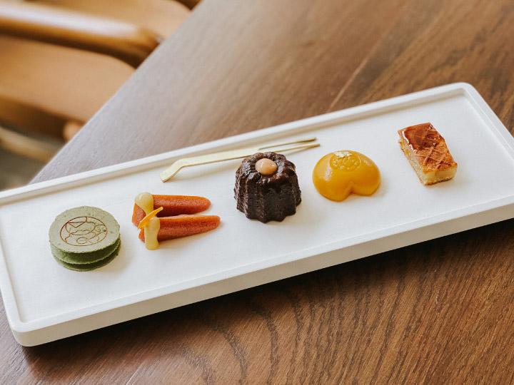 ไปกรุงเก่า ชิมขนมไทยคิดใหม่คอนเซปต์ ไท-เดิร์น ผสมผสานเทคนิคขนมของประเทศต่างๆ ที่มีความสัมพันธ์กับกรุงศรีอยุธยา ณ Dessert Bar by Busaba