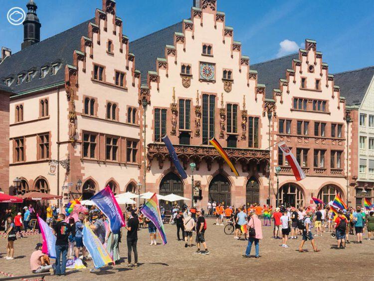เดินขบวนทิพย์ในงาน CSD Frankfurt ขบวนพาเหรดรถยนต์เพื่อความเท่าเทียมทางเพศ