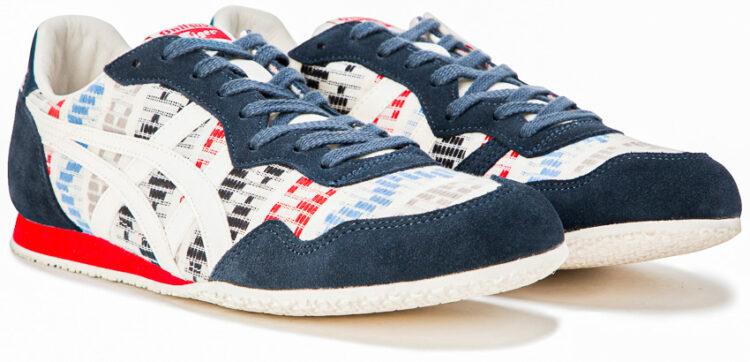 รองเท้าจากผ้าทอมือคอลเลกชันใหม่ เมื่อดอยตุงผู้คร่ำหวอดอยู่ในวงการผ้าทอ และ โอนิซึกะ ไทเกอร์ รองเท้าแบรนด์แรกในญี่ปุ่น จับมือแปลงโฉมรองเท้ารุ่น Mexico 66 จาก ค.ศ. 1966