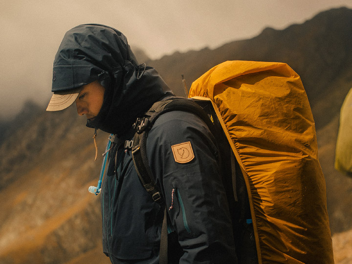 12 เรื่องของ Fjallraven แบรนด์เอาต์ดอร์ที่อยากเห็นคนออกไปใช้ชีวิตกับธรรมชาติ ให้ความสำคัญกับที่มาของวัสดุและผลกระทบต่อสิ่งแวดล้อม จัดการประชุมประจำปีกลางป่าเพื่อให้พนักงานเข้าใจแบรนด์มากขึ้น