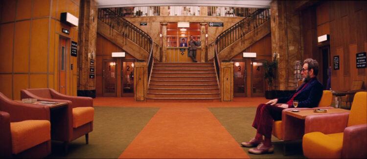 ทัวร์สถาปัตยกรรม The Grand Budapest Hotel ใน ค.ศ.1932 และ 1968 สะท้อนวิถีชีวิตและรูปแบบการเดินทางที่เปลี่ยนไปของคนสองยุค