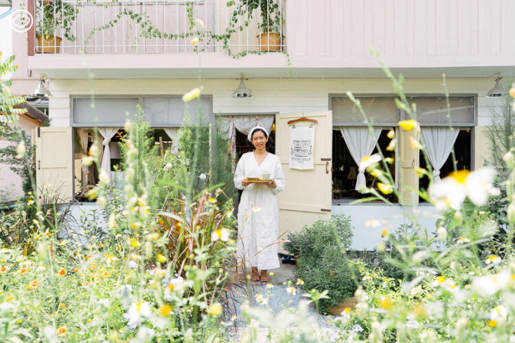 Sticky willy house สาวโคราชกลับบ้านมาเปิดร้านน้ำชาและจัด Tea Party วิวสวนดอกไม้
