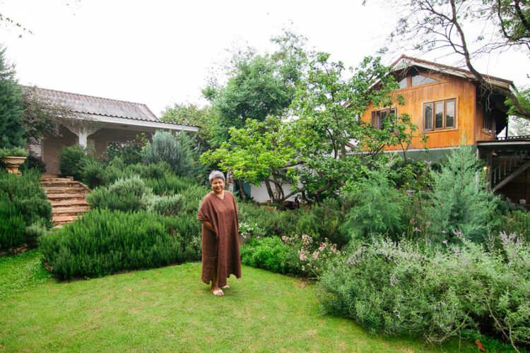 นอนโฮมสเตย์กลางสวนโรสแมรี่ กินอาหารโฮมเมด ในบรรยากาศโฮมมี่แบบชนบทนอกเมืองโคราช